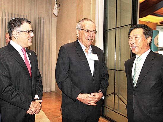 קים איל סו, סטף ורטהיימר, איציק יונה, הכנס השלישי לעסקים עם קוריאה / צילום: עופר עמרם