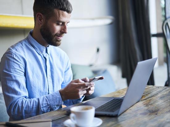 מחשוב ענן: לנהל את עסק מכל מקום / צילום: Shutterstock/ א.ס.א.פ קרייטיב