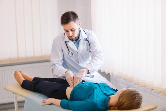 """הטרדה מינית ע""""י רופא/ צילום:  Shutterstock/ א.ס.א.פ קרייטיב"""