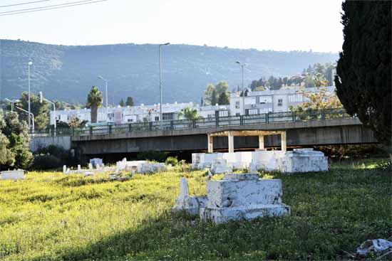בית הקברות בנשר/ צילום: פאול אולייב
