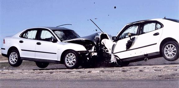 תאונה קשה בדרום: גבר נהרג, אשתו ובנותיהם נפצעו קשה