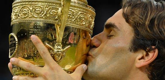 רוג'ר פדרר זוכה בטורניר ווימבלדון 2012 / צלם: רויטרס