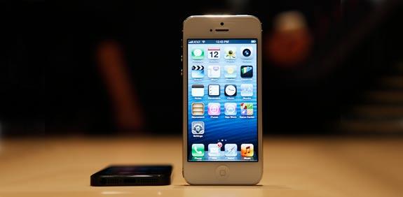 אייפון 5 / צילום: רויטרס
