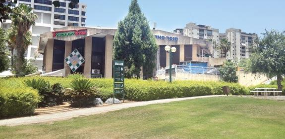 המרכז המסחרי ברמת אביב / צילום: איל יצהר