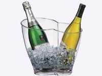 כוסות שתיה שמפניה בקבוקים / צלם: יחצ