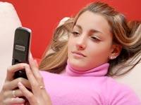 סלולר ילדים נוער / צלם: טינקסטוק