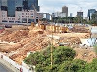 אתר הבנייה של מגדלי הצעירים בתל אביב / צילום: תמר מצפי