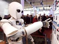 רובוט שפותח בבינה מלאכותית / צילום: רויטרס