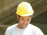 פועל בניין סיני / צילום: תמר מצפי