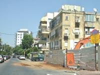 שיפוץ בנין ברמת גן / צילום: תמר מצפי