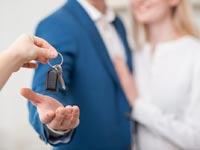 מהן ההקלות המגיעות בהעברת נכס ללא תמורה לקרוב משפחה?