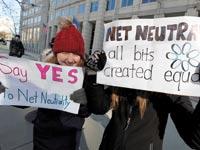 הפגנה בוושינגטון בעד ניטרליות הרשת שנערכה בסוף השבוע / צילום: רויטרס, Yuri Gripas