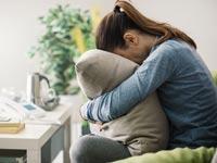 מהי אלימות כלכלית בגירושים - וכיצד מתמודדים עימה?