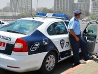 ניידת משטרה שוטר דוח / צלם: תמר מצפי
