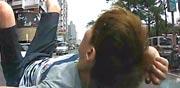 הונאת צ'רלי וחצי, תאונת דרכים, זיוף / צילום: וידאו