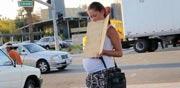 """קבצנית בהריון נוהגת במרצדס, נוכלות, ארה""""ב / צילום: חדשות ABC"""