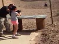 צפו: ילדה בת 9 הרגה בטעות מדריך ירי עם רובה עוזי