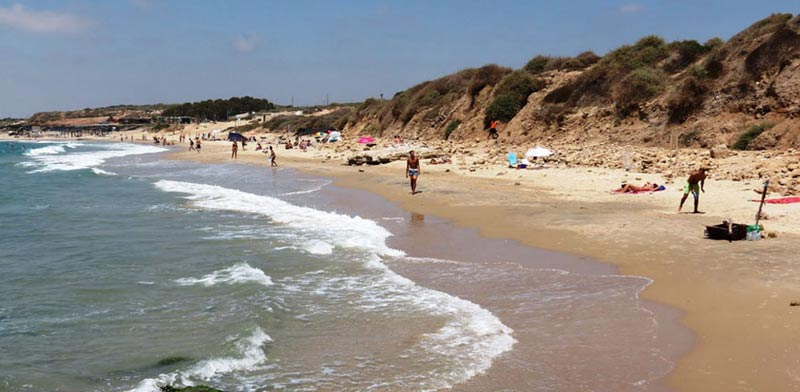 תופעה: חול הים הולך ונעלם מחופי ישראל והנזק הוא אדיר