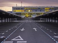 מציאה: נמל תעופה חדיש שנמכר השבוע ב- 40 אלף שקל