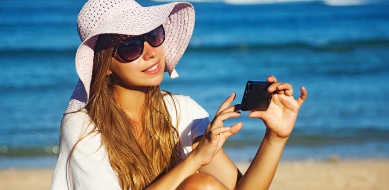 אינטרנט, גלישה סלולארית, שיחת טלפון/ צילום: שאטרסטוק