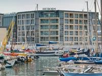 צפו: נפתח מלון יוקרה חדש בישראל על אי מלאכותי