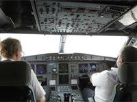התשובה לשאלה הגדולה: כך נתקע הטייס מחוץ לקוקפיט