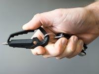 """ארגן כלים על מחזיק מפתחות, מפתח שוודי, Talon / צילום: יח""""צ"""