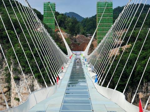 גשר זכוכית חדש בסין/ צילום: מתוך הוידאו