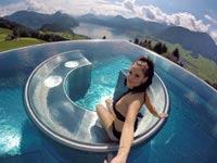 להיט ויראלי: הבריכה עם הנוף היפה בעולם שכבשה את הרשת