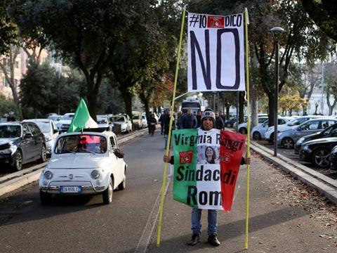 משאל עם באיטליה, ראש הממשלה מתפטר, שווקים פיננסים / צילום: וידאו