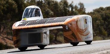 רכבי העתיד כבר פה: נעים בכח השמש ומייצרים חשמל בנסיעה