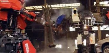 תראו מה קרה כש- 2 רובוטי ענק מפלצתיים נלחמו זה בזה