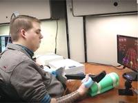 צפו: טכנולוגיה חדשה מציעה פתרון מהפכני למשותקי גפיים