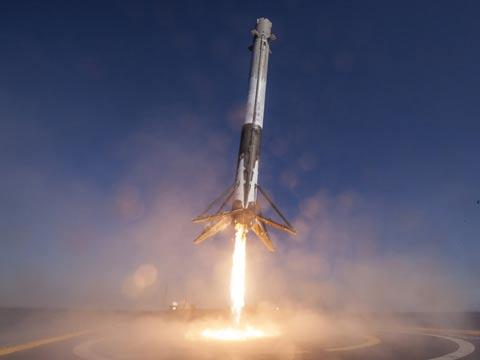 טיל שיגור פאלקון 9 /צילום: מהוידאו