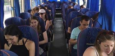 5 שיטות להתנייד בזול ללא רכב פרטי בשבתות וחגים בישראל