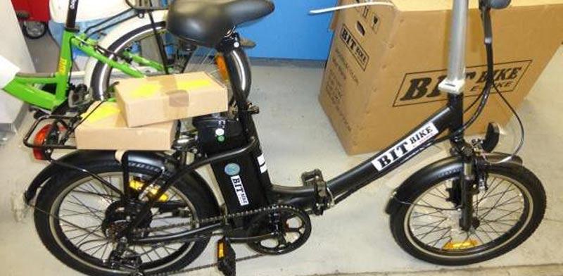 אופניים חשמליים ללא תו תקן שהוברחו לארץ / צילום: מכס אשדוד
