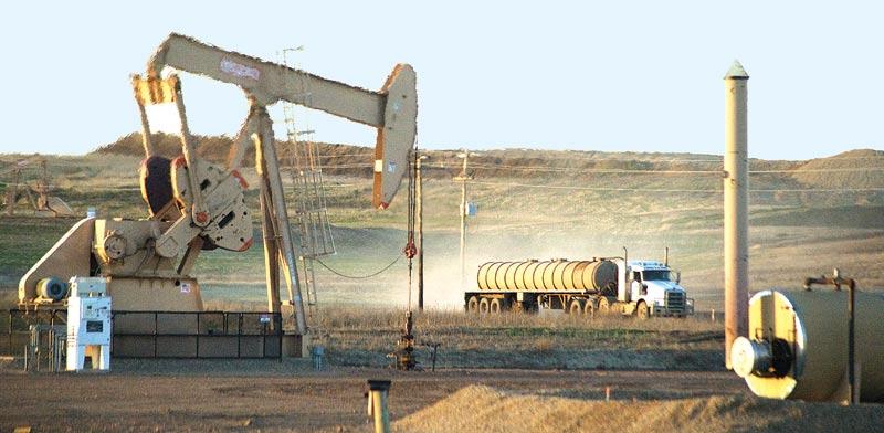 שדה נפט בצפון דקוטה / צילום: רויטרס