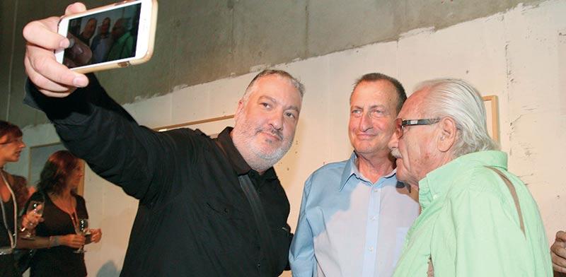 ארל טוניק, רון חולדאי וספנסר טוניק / צילום: ענת מוסברג