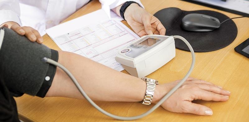 רופא, חולה / צילום:  Shutterstock/ א.ס.א.פ קרייטיב