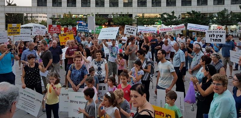 מחאה הרצליה/  צילום:מטה המאבק הארצי לבינוי שפוי