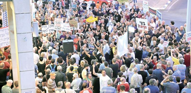 """ההפגנות בפ""""ת. """"חופש הביטוי הוא כמעט מקודש"""" / צילום: שלומי יוסף"""