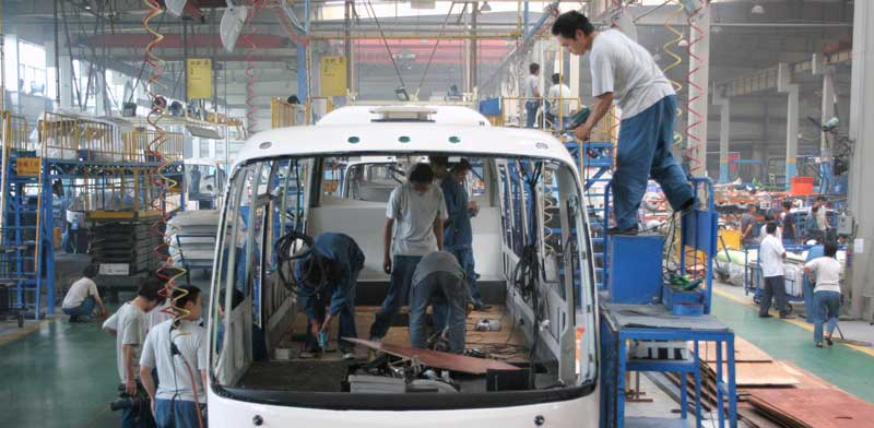 Chinese bus manufacturing Photo: Reuters China Stringer