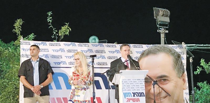 ישראל כץ ואשתו / צילום: טל שניידר