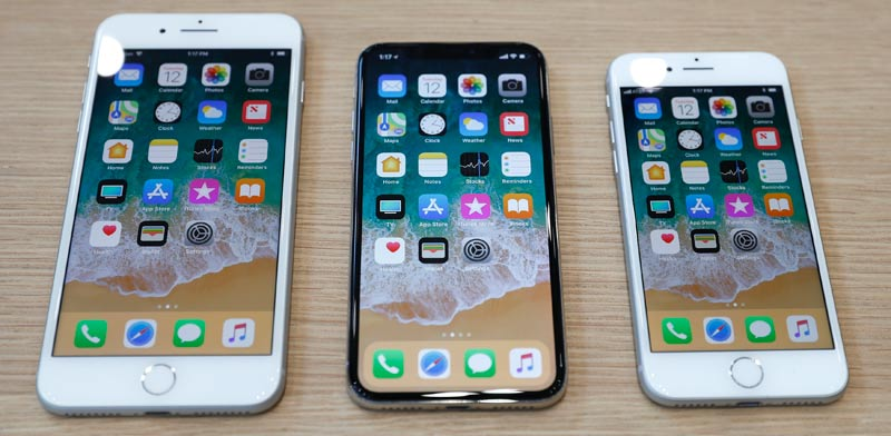 Apple iPhone 8 and iPhone X  photo: Reuters