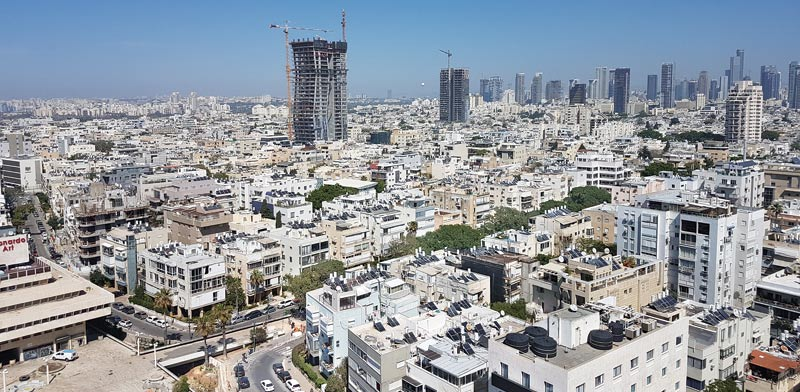 Dan tower Tel Aviv photo: Dror Marmor