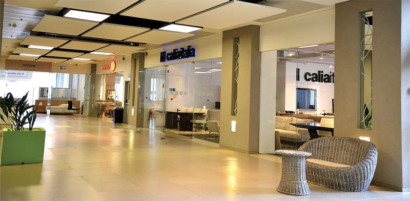 חנויות רהיטים / צילום: תמר מצפי