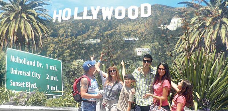 """משפחת שבירו בהוליווד, ארה""""ב / צילום: תייר מזדמן"""