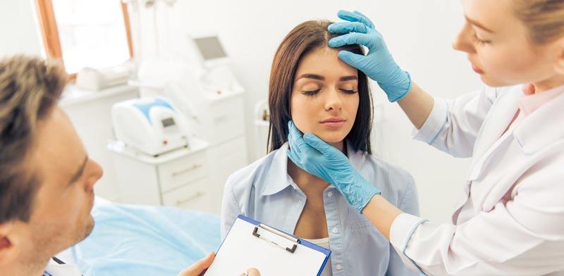 ניתוח פלסטי. אסור לרופאים לחשוב כמו טכנאים /   צילום:Shutterstock/ א.ס.א.פ קרייטיב