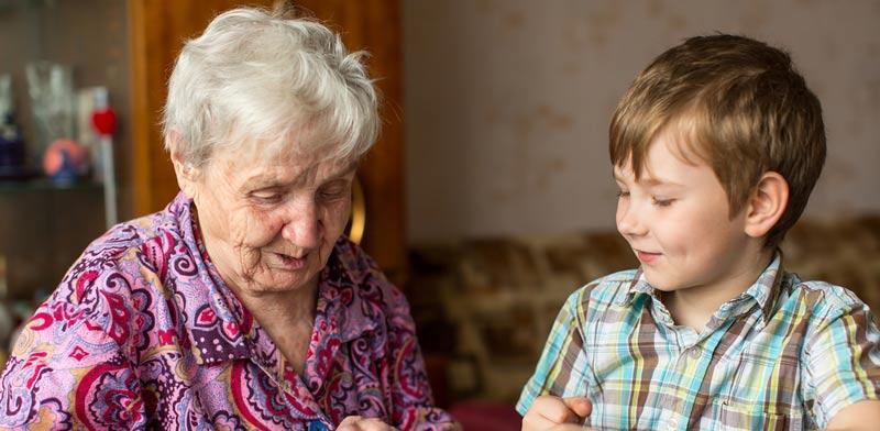 האם הסבים זכאים להחליף את בנם בהסדרי ראייה?