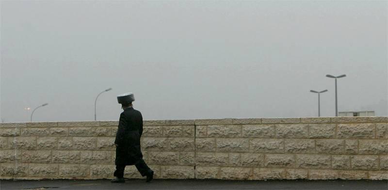 חרדי בירושלים / צילום: ראסל בוייס, רויטרס